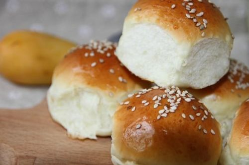 不用放油的酸奶小面包,柔软可口更健康,快快学起来吧!