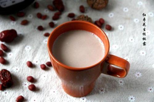 美味营养的红枣花生核桃露,养气补血益智好饮品!做法特别简单!