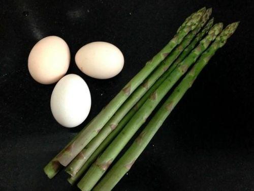 春天不能错过的美味,营养又健康,好吃又好看的芦笋炒鸡蛋!