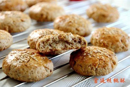 烤箱闲置太浪费,教你做一种快手小点心-简单又好吃的宫廷核桃酥