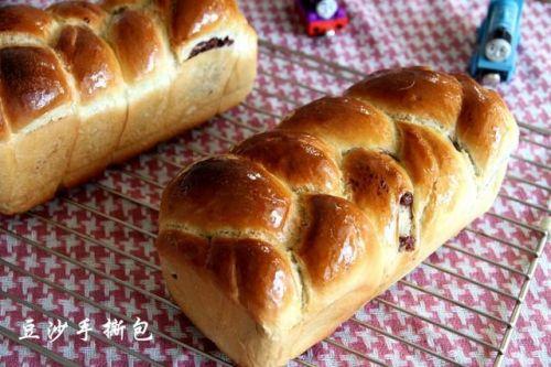 中筋面粉一样可以做出柔软拉丝的美味面包--豆沙手撕包