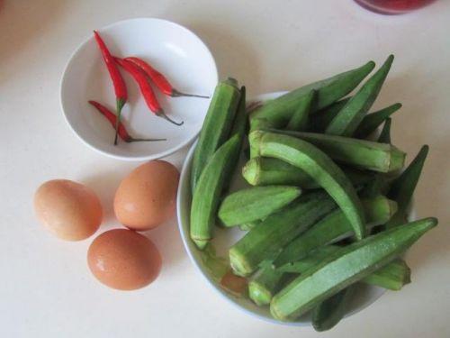 这样炒,鸡蛋蓬松无腥味!照着做绝对好吃!不信你就试试!