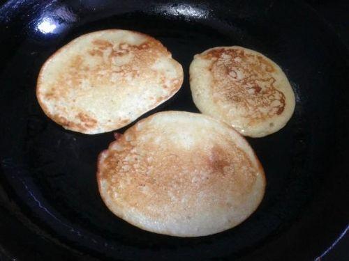 营养早餐:牛奶香蕉饼