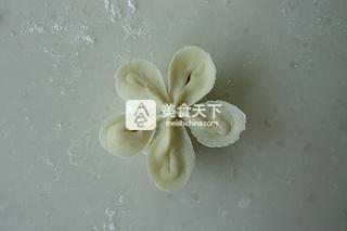 花朵蒸饺的做法步骤:13