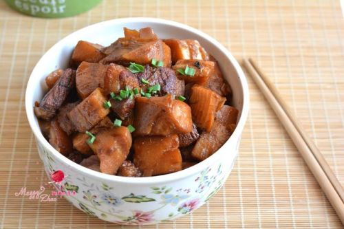 下饭好菜:五花肉烧春笋