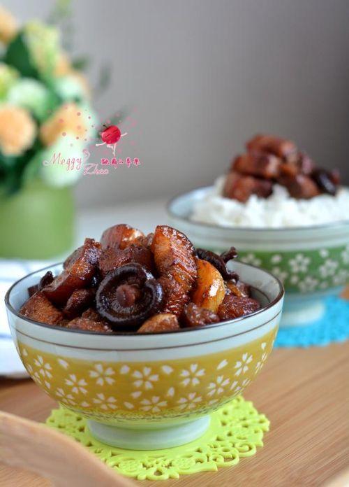 餐桌上的经典美食:香菇红烧肉