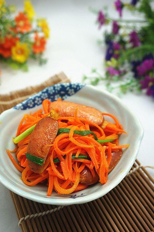 胡萝卜脆肠小炒的做法