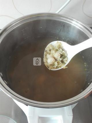 绿豆百合莲子汤的做法步骤:4