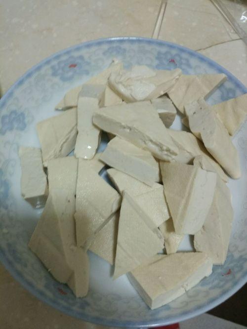 虾头烩豆腐的做法图解3
