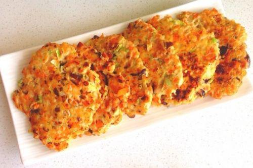 减脂食谱:油煎杂蔬鸡胸肉饼