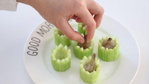 清爽鲜虾丝瓜盅的做法图解7