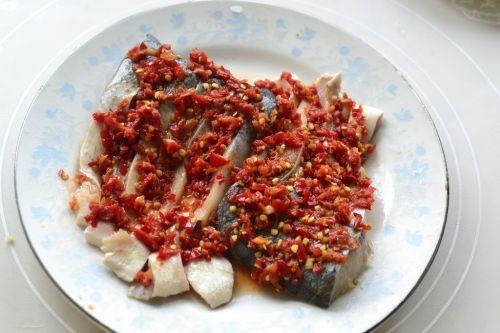自制剁椒蒸鱼片的做法