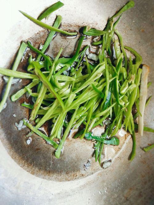 青椒拌杏鲍菇的做法图解5