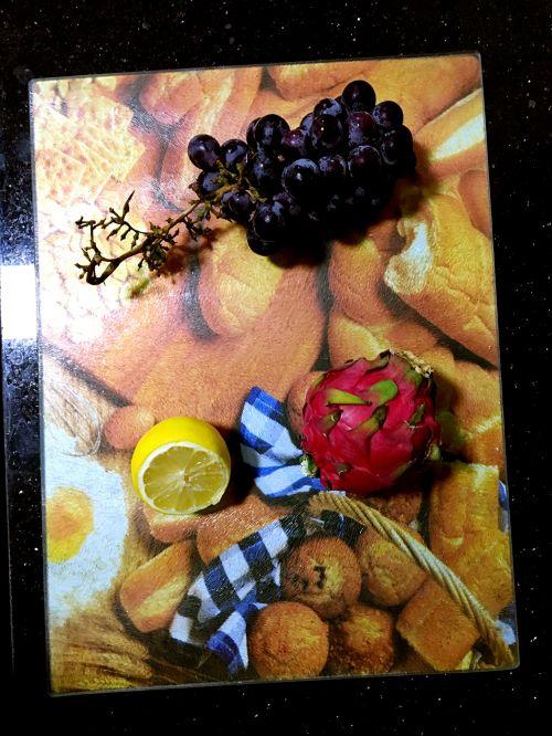 火龙果葡萄柠檬苏打水的做法图解1
