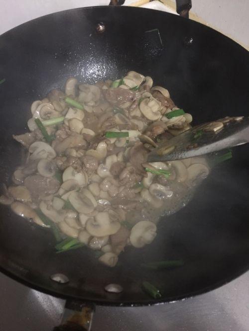 蘑菇肉片的做法图解9