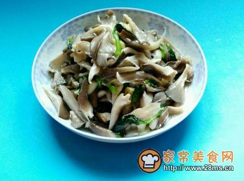 蘑菇炒青菜的做法图解6