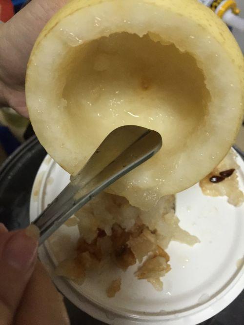止咳润肺:冰糖蒸梨的做法图解2