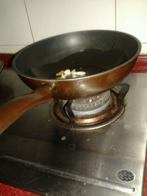 嫩嫩的红烧小黄鱼的做法图解3