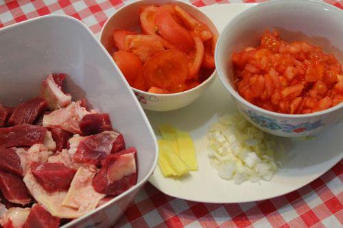 番茄炖牛腩的做法图解3