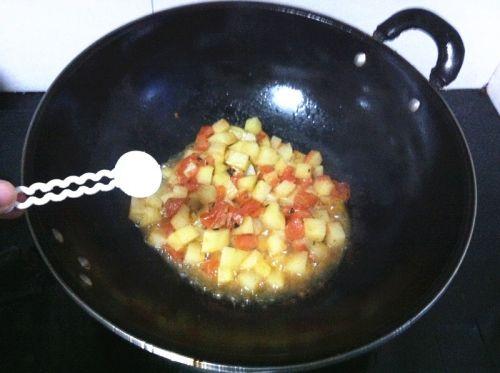 土豆番茄蛋炒饭的做法图解4