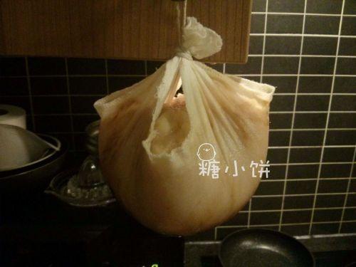 【奶香曲奇广式月饼】 吊干法相比于直接煮干的方法而言好处是不