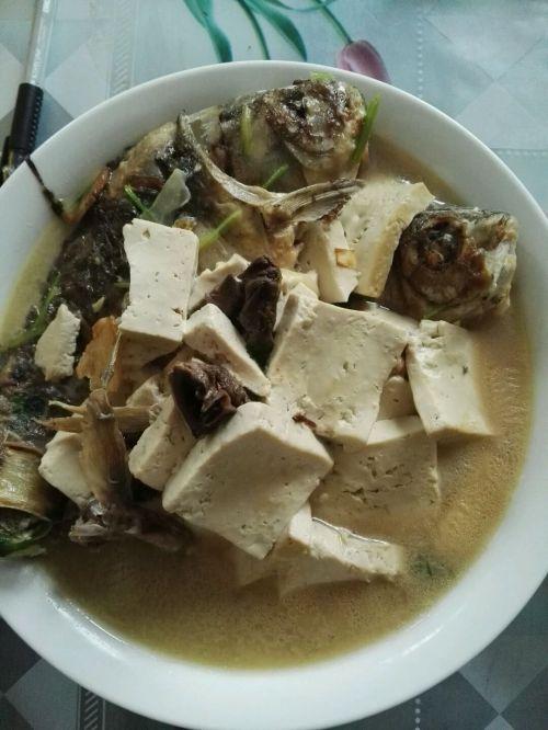 豆腐鲫鱼汤的做法图解5