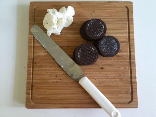 奥利奥酸奶盆栽甜品的做法图解1