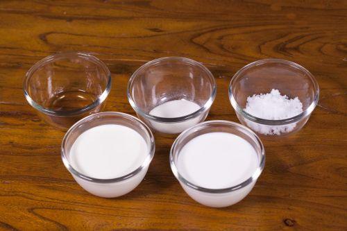 鲜奶布丁的做法图解1