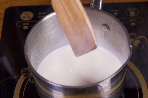 鲜奶布丁的做法图解3