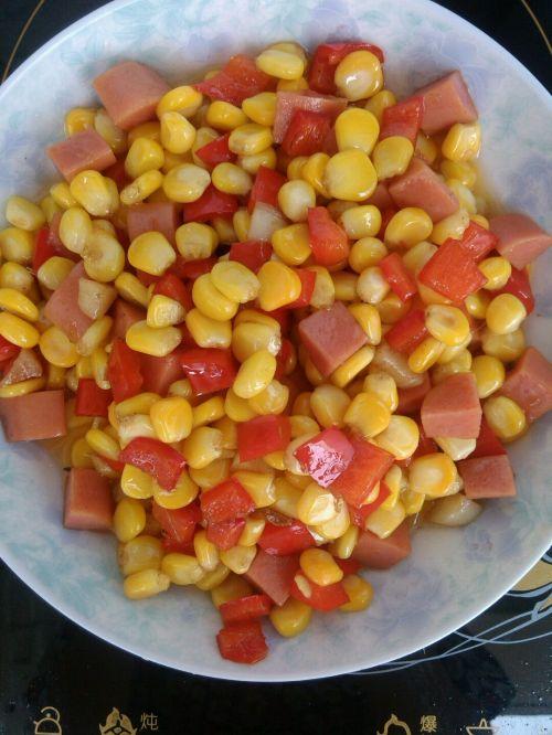 家常小炒火腿肠红椒炒玉米粒的做法图解8