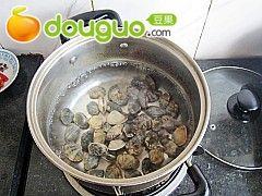 蛤蜊海鲜汤的做法图解4