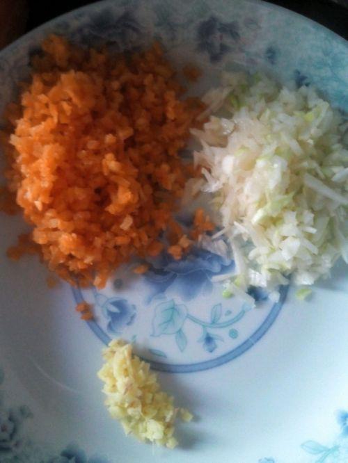 水晶虾饺(家常)的做法图解3