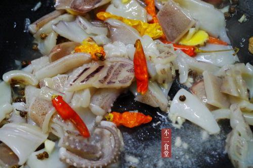 火锅鱿鱼的做法图解4