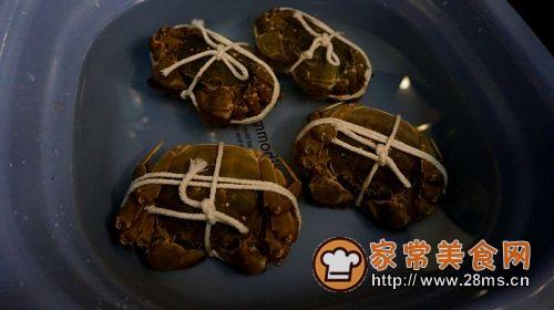 香辣蟹炒年糕的做法图解1