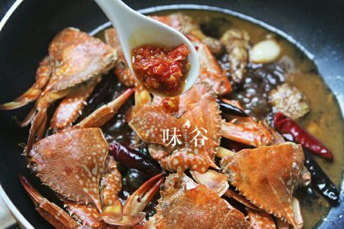 爆炒香辣蟹的做法图解6