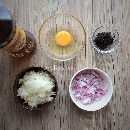 菜籽油梅干菜蛋炒饭的做法图解1