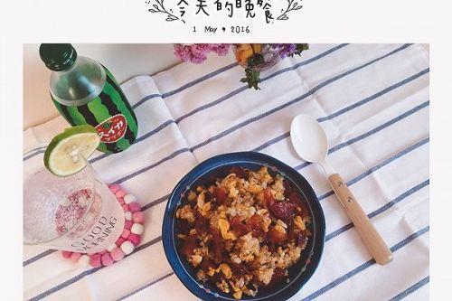 中式食谱腊肠蛋炒饭