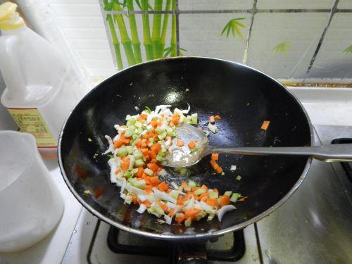 蔬菜炒饭的做法图解5