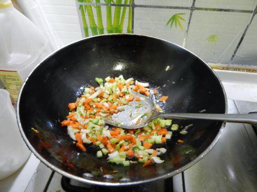 蔬菜炒饭的做法图解6
