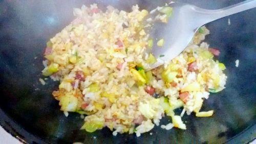 包菜火腿蛋炒饭的做法图解10