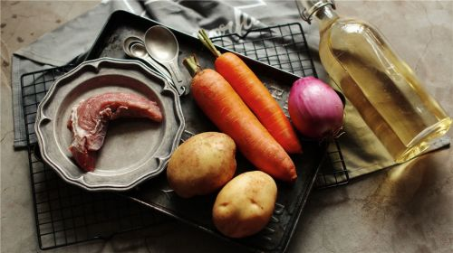咖喱牛肉饭的做法图解1