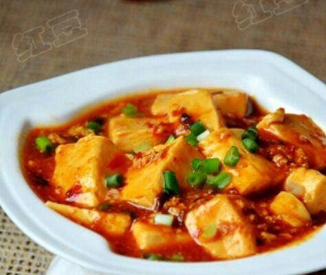 美食推荐:家常烧豆腐红烧鸡小腿盘龙五花肉的做法