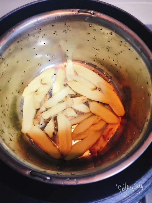 豆香东坡肉的做法图解3