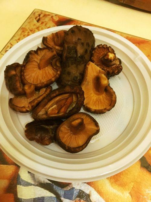 香菇鸡肉粥的做法图解3