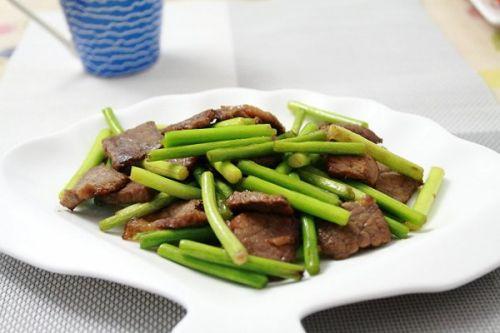 家常菜:蒜苔炒牛肉