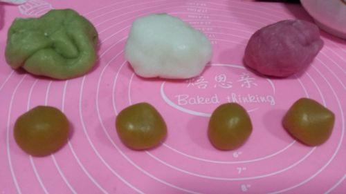 三色冰皮月饼的做法