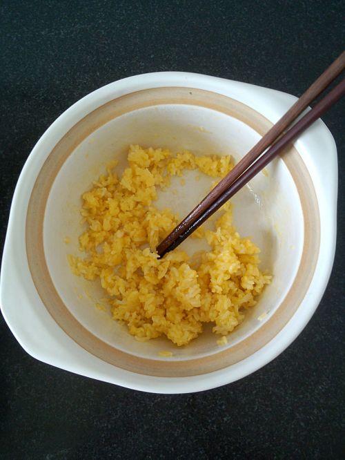 微波炉黄金蛋炒饭的做法图解6