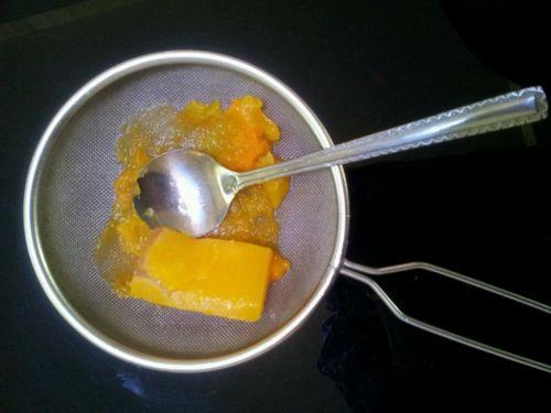 南瓜浓汤的做法图解2