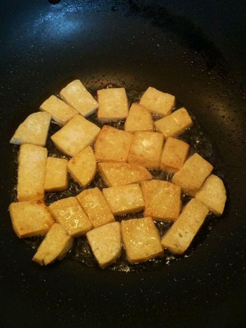 豆腐西施鸡蛋饼的做法图解1