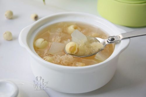 莲子银耳冬瓜汤 的做法图解10